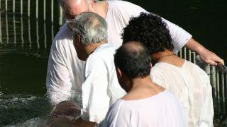 El bautismo: ¿Desea Dios que usted se bautice?