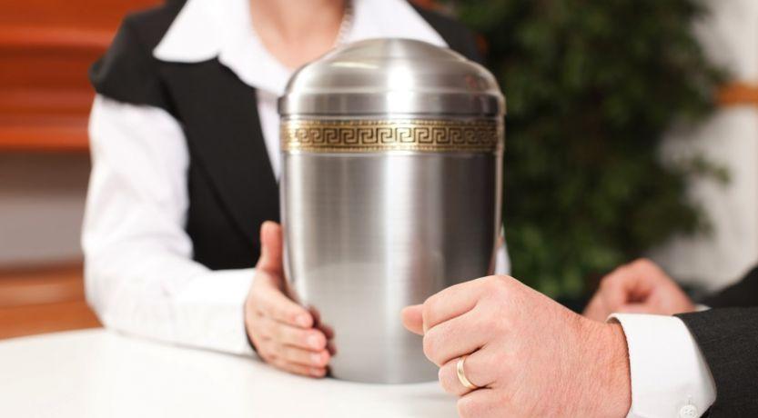 ¿Qué dice la Biblia acerca de la cremación?