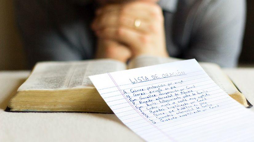 La oración intercesora: cómo orar por los demás